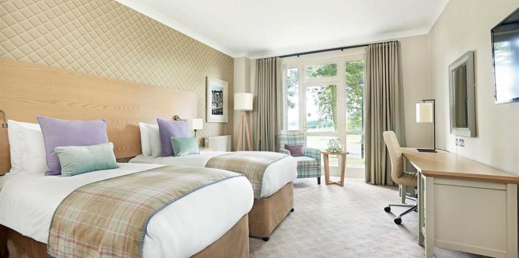 A luxurious overnight stay awaits the winner!