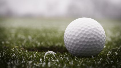 playing golf in cold weather