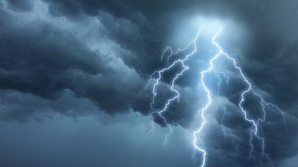 lightning on golf course
