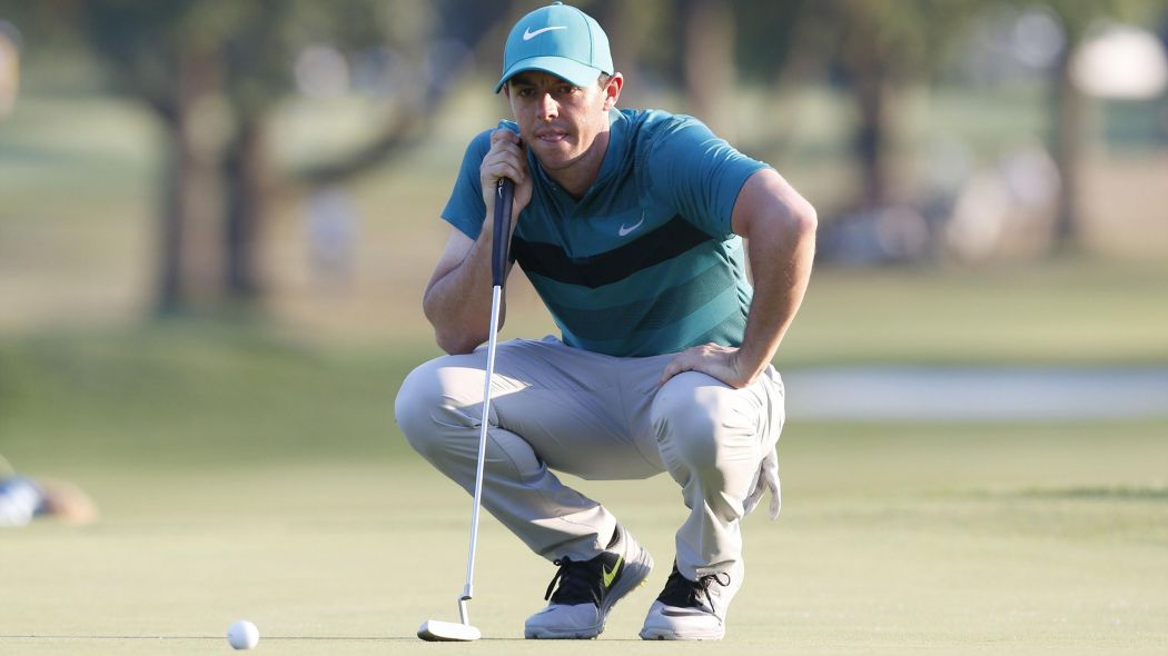 Bernard Gallacher thinks Rory is struggling on the greens